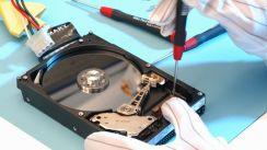 Bei einem Festplattencrash sollten vor allem keine übereilten Rettungsmaßnahmen unternommen werden. (Bild: Kroll Ontrack)