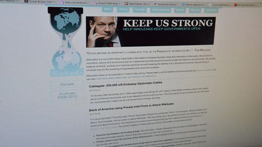 Wikileaks will Twitter dazu bringen, keine Nutzerdaten mehr zu speichern und weiterzugeben. (Bild: Markus Henkel)